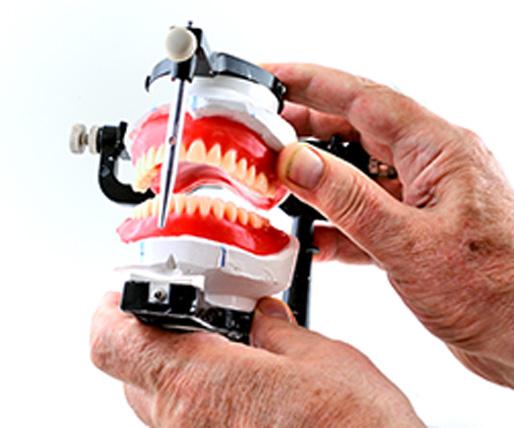 Gustavo Garcia del Rio - Prótesis Dentales