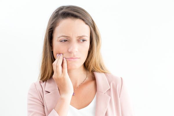 Bruxismo-dentistas-en-elche-gustavo-garcia-del-rio